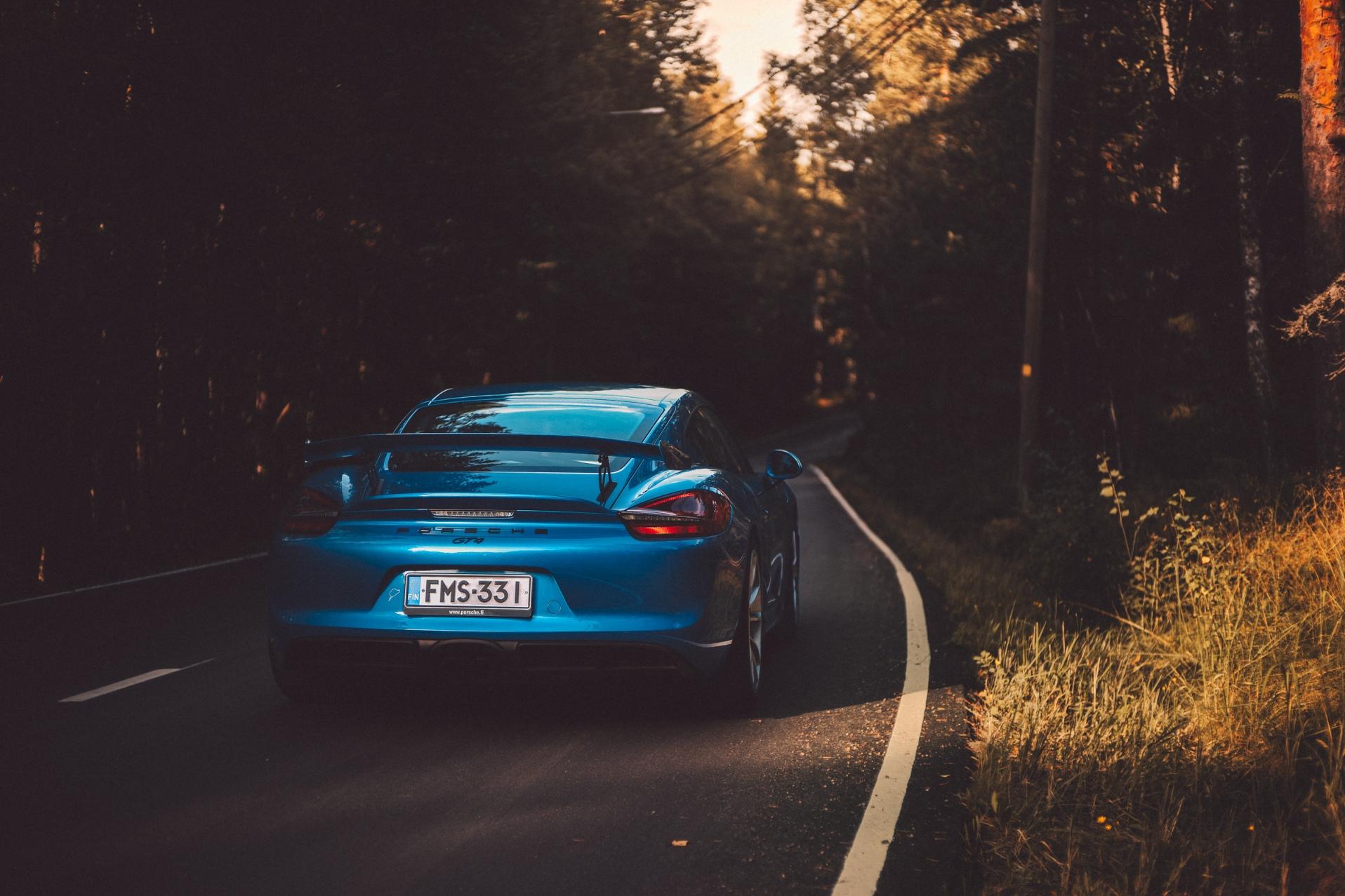 GT4_Porsche--