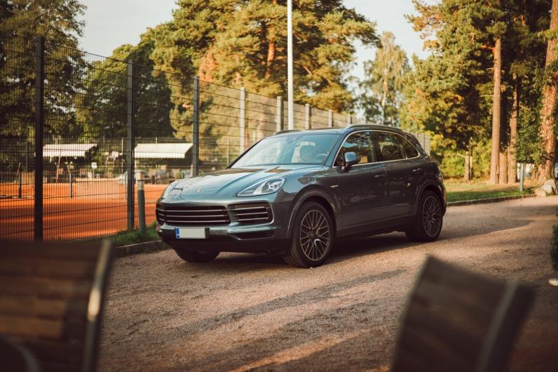 Porsche: Cayenne Summer Tennis Campaign